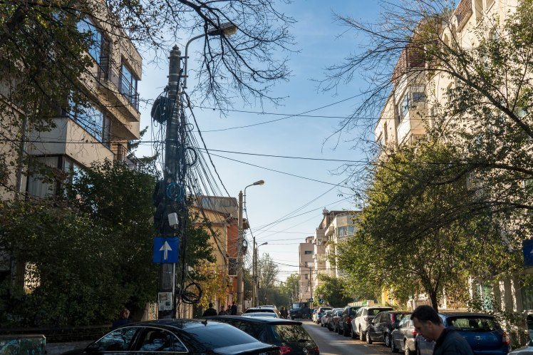 bukarest-street-lightpole