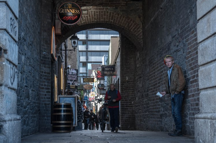 dublin-tourist-street-arch