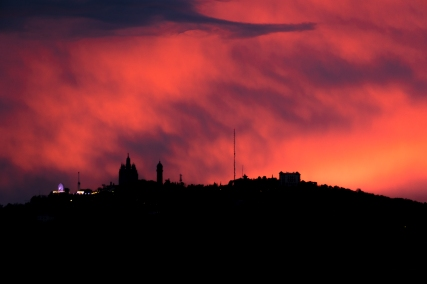 bcn-sunset-red
