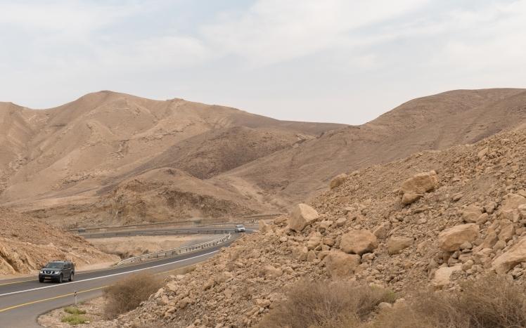 israel-desert-street-3