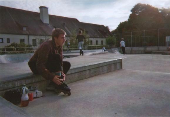 flo-putting-on-skates