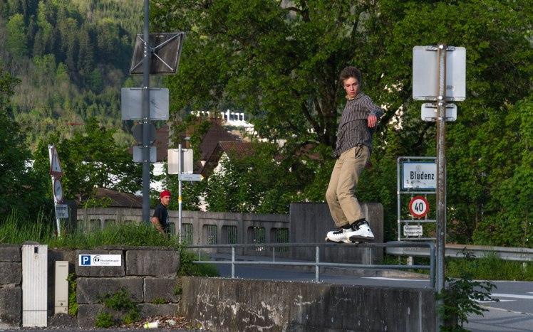 marius-bludenz-rail-surfing
