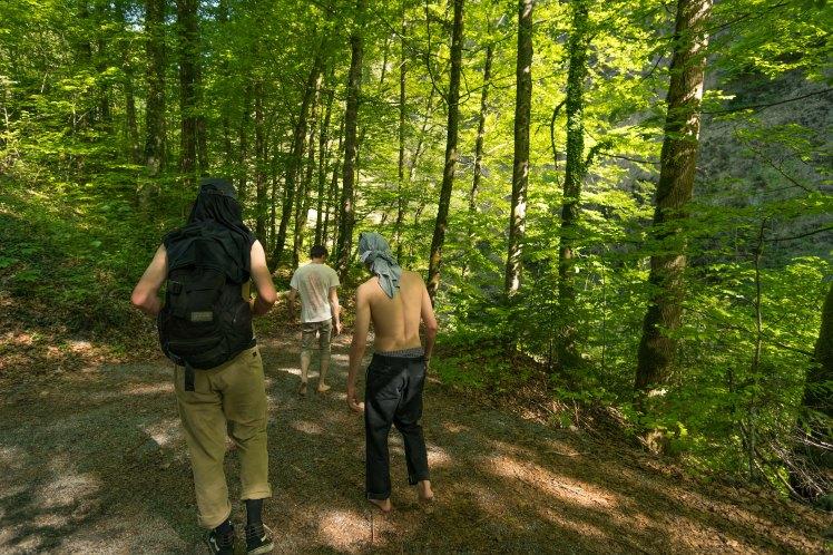 frödischtal-crew-back-woods
